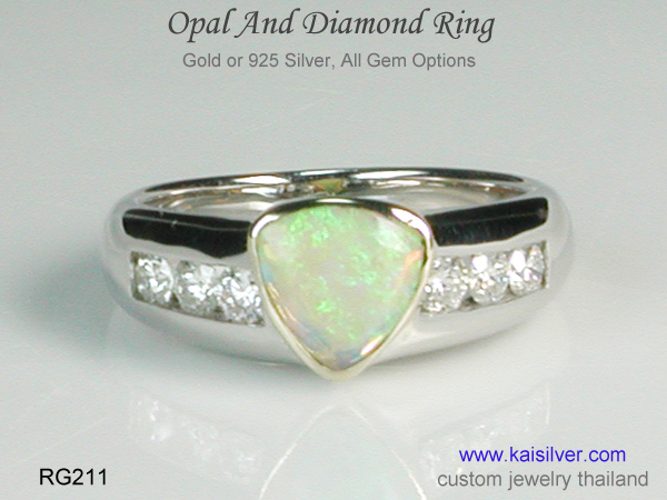 opal gemstone color play