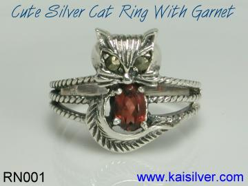 gemstone ring garnet